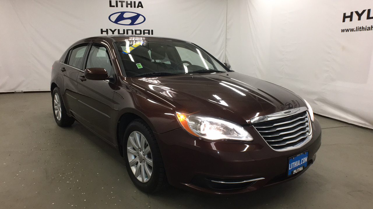 Pre-Owned 2013 CHRYSLER 200 4DR SDN TOURING