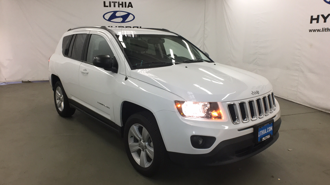 Pre-Owned 2017 JEEP COMPASS 4X4