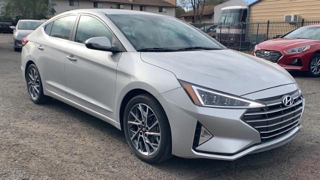 New 2020 Hyundai Elantra Limited IVT
