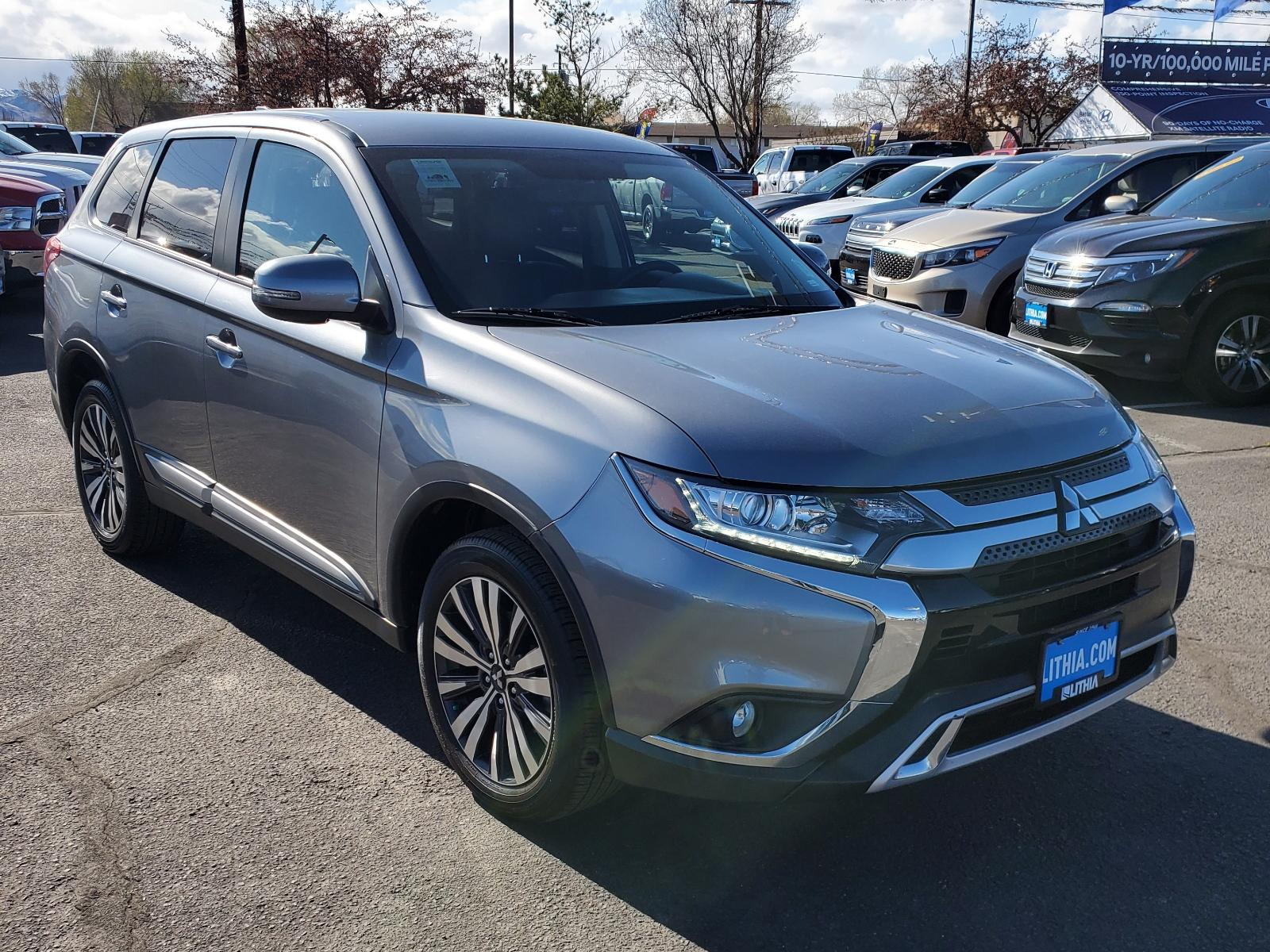 Pre-Owned 2019 Mitsubishi Outlander SE S-AWC