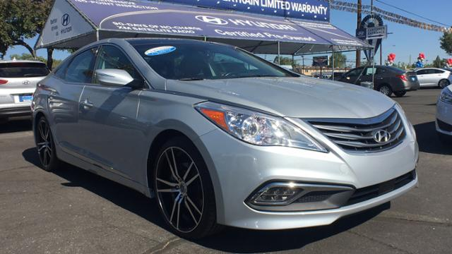 Certified Pre-Owned 2017 Hyundai Azera Limited 3.3L