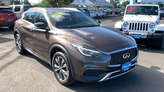 Pre-Owned 2017 INFINITI QX30 Base AWD