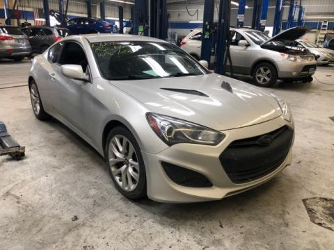 Pre-Owned 2013 Hyundai Genesis 2dr I4 2.0T Auto