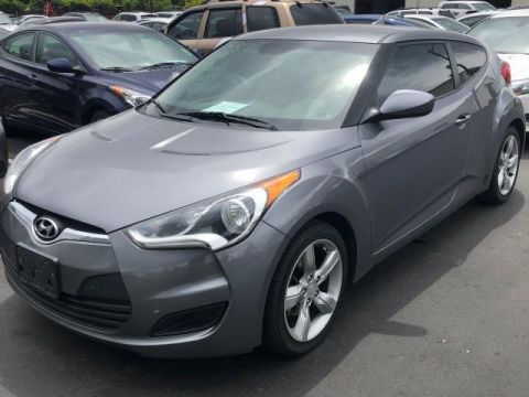 Pre-Owned 2014 Hyundai Veloster 3dr Cpe Auto w/Black Int